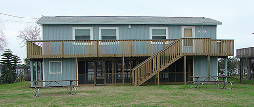 The Galveston Bay House yard and deck