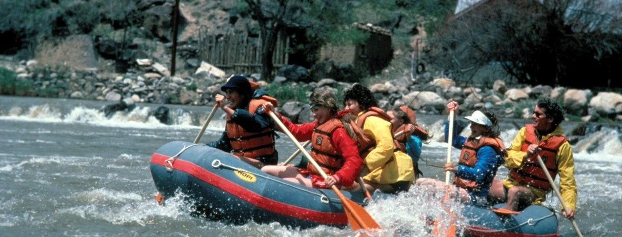 white water rafting image